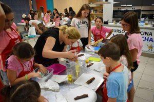 Cocinando con los niños y niñas