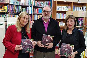 Ana Esteve, Augusto y Consu Rico en la librería La Farándula